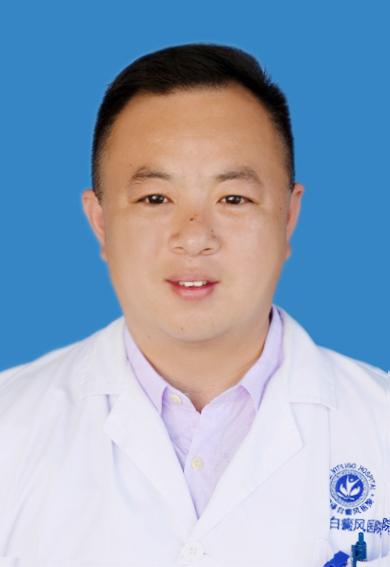 白癜风专家李广军